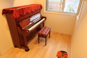 1805toyonakaitei_piano2_2