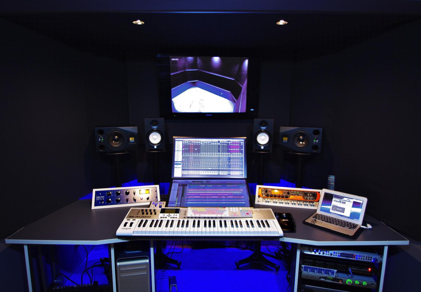 Controlroom2_2
